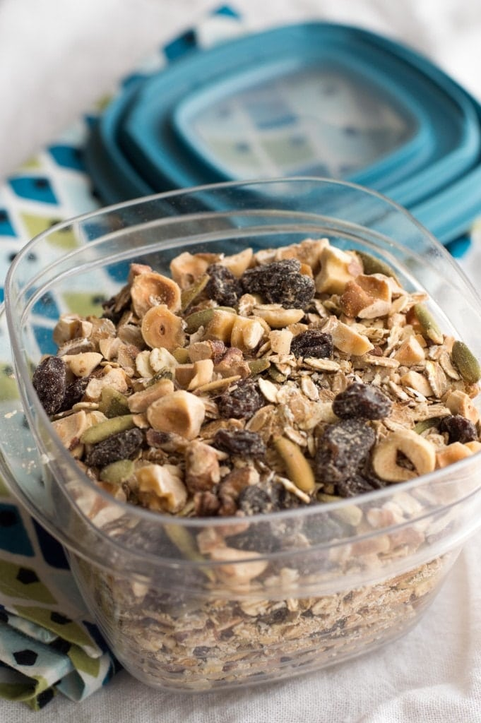 multi-grain muesli with nuts and raisins