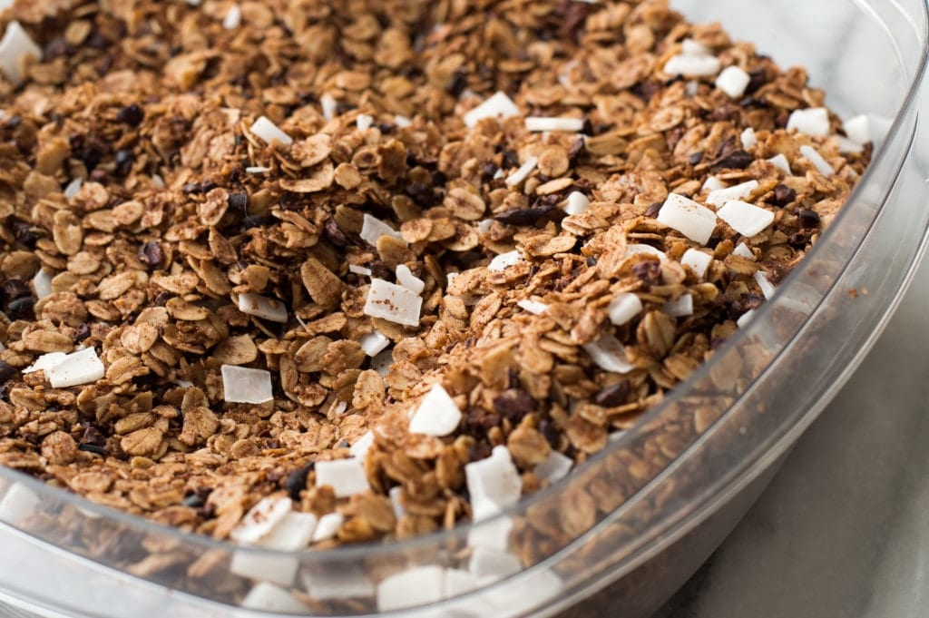 chocolate-coconut-granola-4
