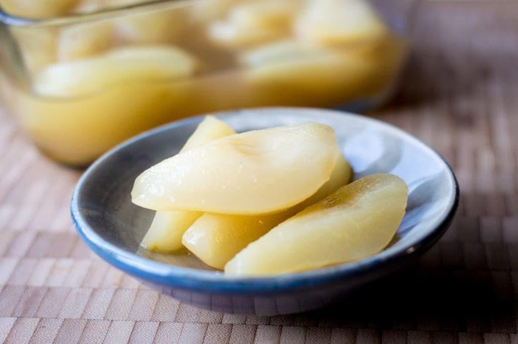 honey-poached-pears-lemon