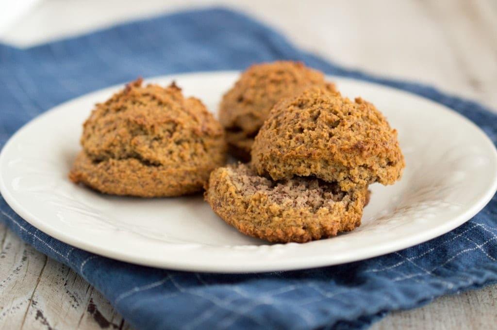 paleo-almond-flour-biscuits-2