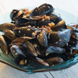 Mussels with White Wine and Bacon